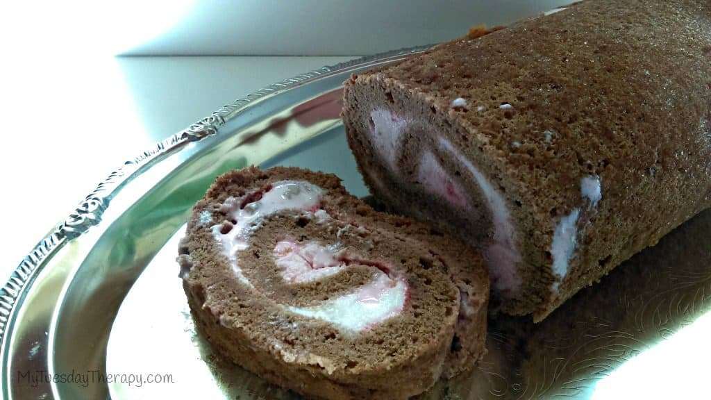 Ice cream cake roll. Party Food.