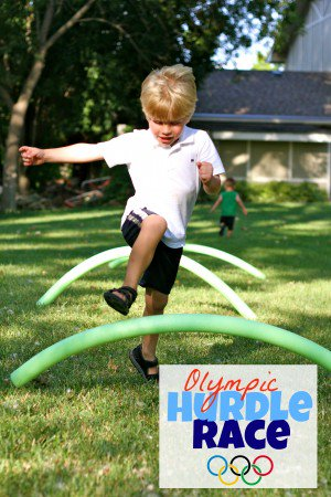 Pool noodle games for kids' summer fun or family time.!