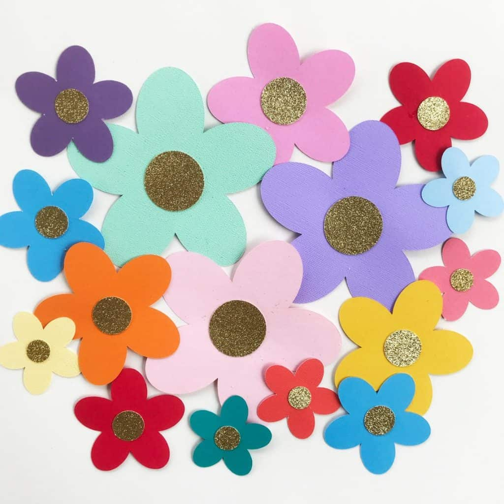 Spring Flower Decorations (sew love the day)