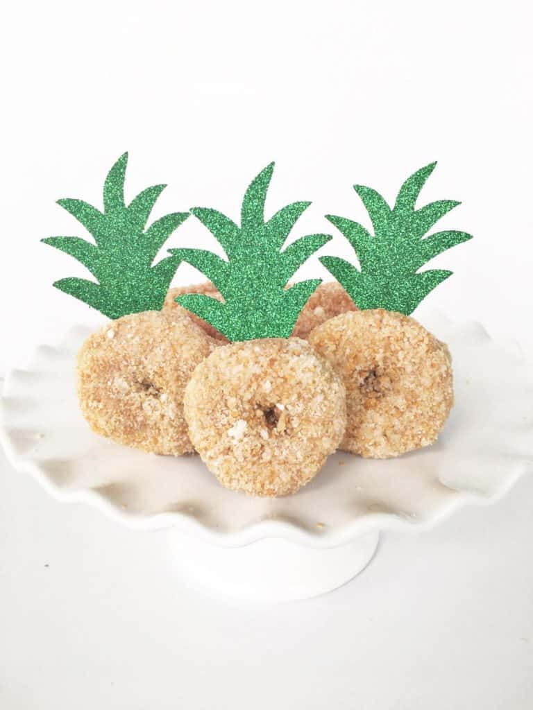 Pineapple Donut Topper (glitter party co). Luau food ideas.
