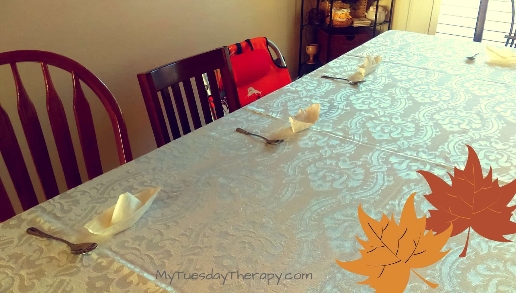 Thanksgiving for Kids. Celebrate the fall with Charlie Brown Party.