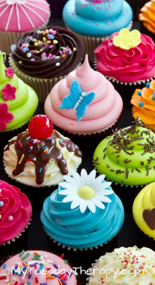 Easy Baby Shower Food. Cupcake ideas for baby shower.