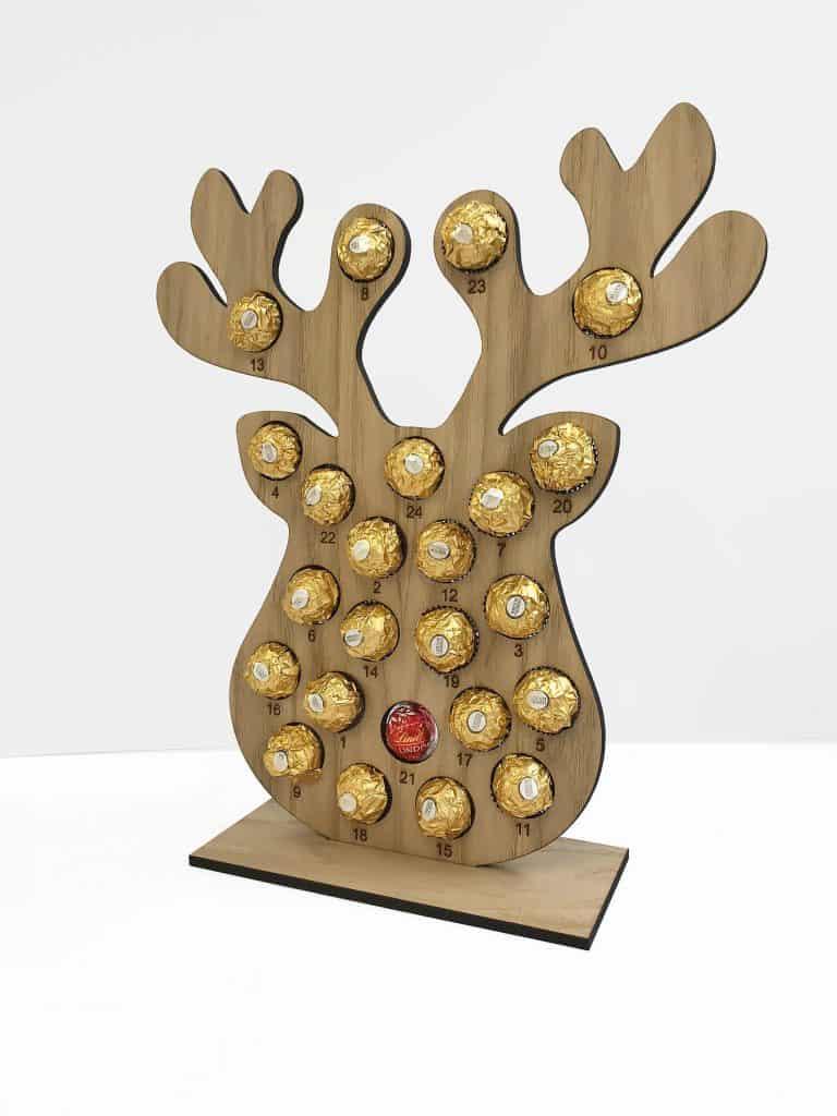 Reindeer Christmas Calendar with Chocolate. (etchtwentyeight)