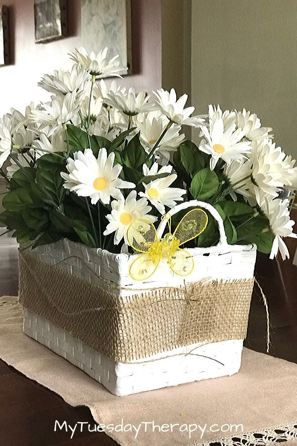 Spring Decor Idea: Daisy Basket and a Clip On Butterfly DIY Project.
