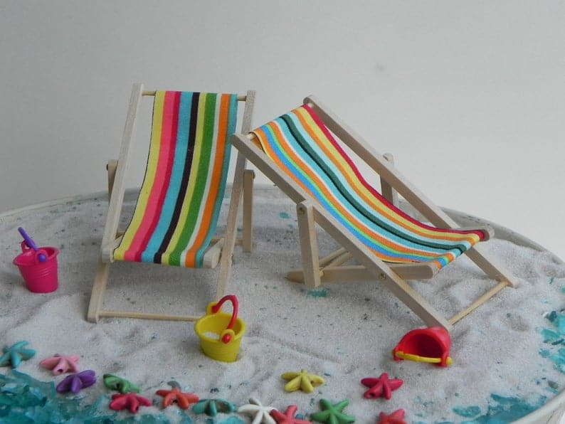 Miniature Beach Chair Cake Topper for Luau Party. Turns any cake into luau party dessert. (thelittlehedgerow)