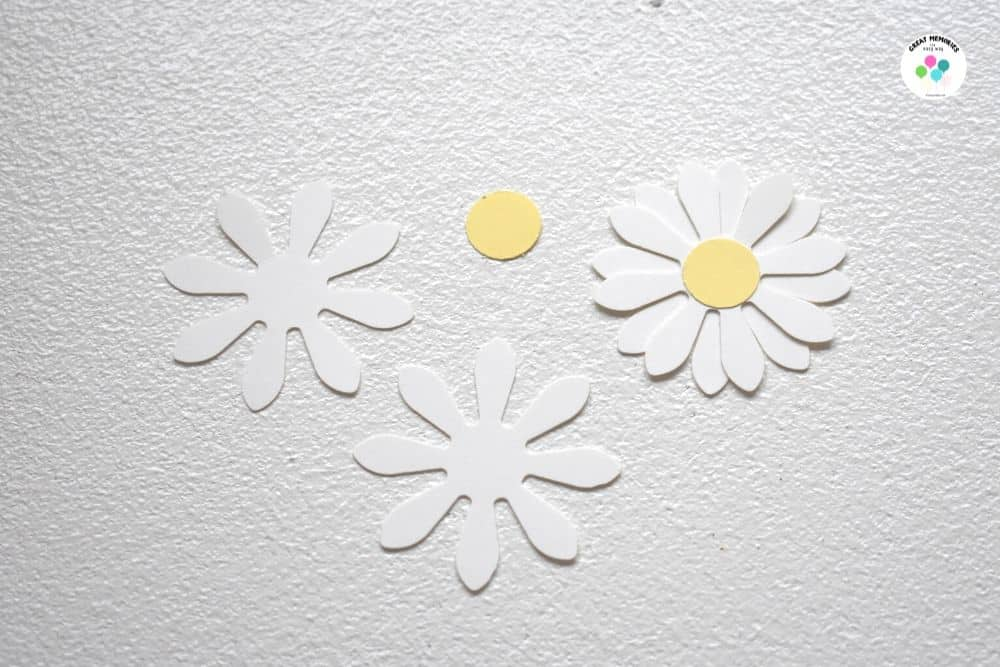 Daisy Cut Out Made With a Daisy Puncher